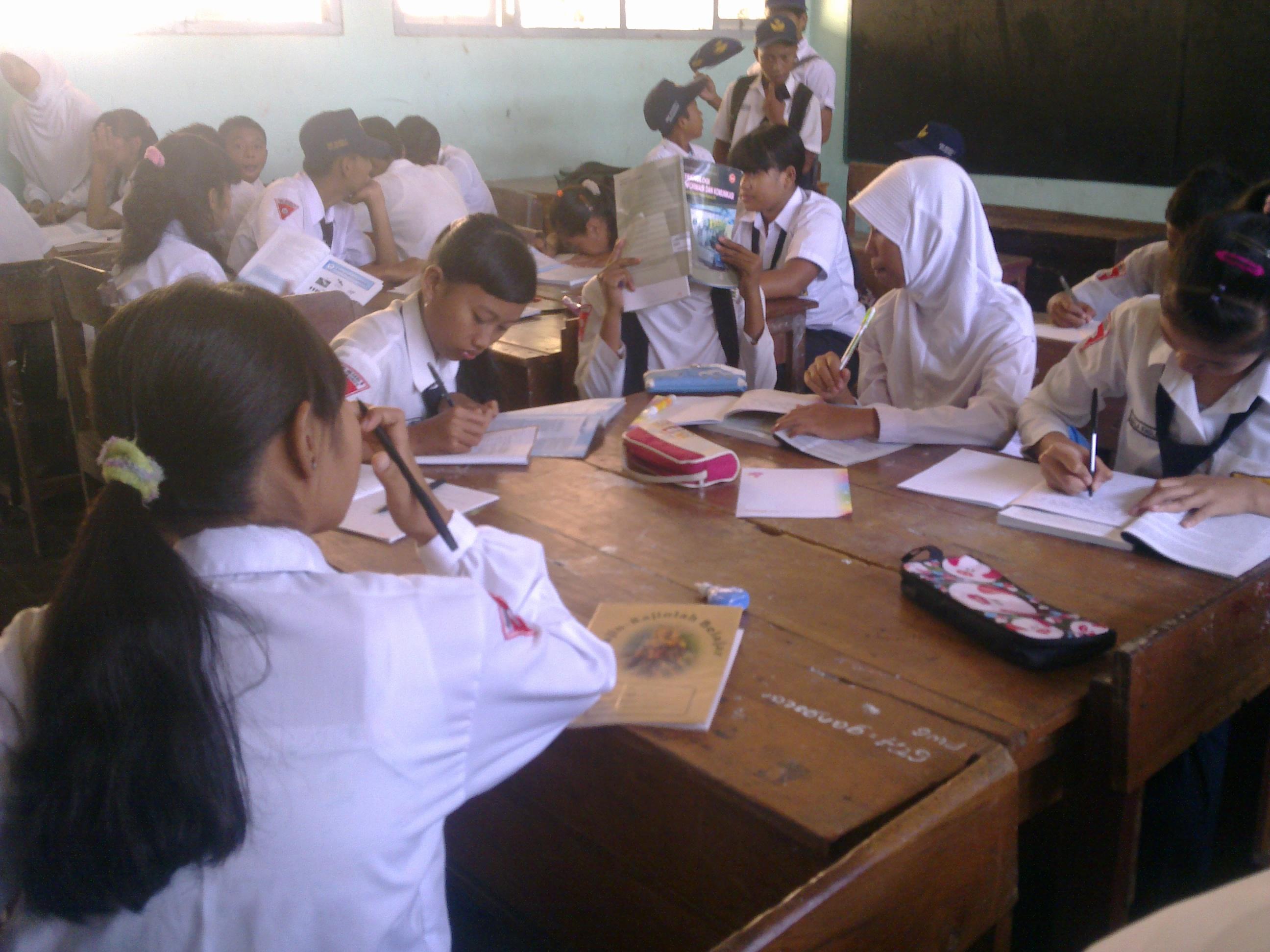 Image result for siswa ribut dalam kelas